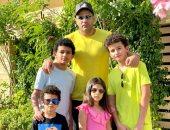 أحدث صورة لـ محمد نور فى عيد الفطر بصحبة أولاده الأربعة