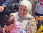 وزيرة التضامن تقدم هدايا وعيديات لـ11 ألف طفل بدور الأيتام بمناسبة عيد الفطر