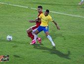 مدرب صن داونز يُعاقب لاعبيه بعد الخسارة أمام الاهلي بالتدريب في السلام