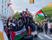 بيلا حديد تشارك في مظاهرات فلسطينية في شوارع أمريكا للتنديد باعتداءات إسرائيل.. فيديو وصور