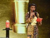 """تشادويك بوسمان يحصل على جائزة """"الفشار الذهبى"""" فى حفل جوائز mtv.. فيديو وصور"""