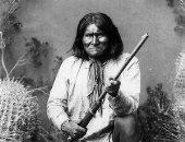 الزعيم جيرونيمو يهرب من المحمية الأمريكية.. حكاية رجل الأباتشى الأخير