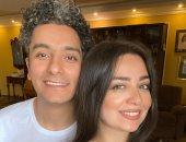 سيلفي الحب والرومانسية.. هبة مجدى تحتفل بعيد ميلاد زوجها المطرب محمد محسن