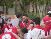 تامر حسنى يتطوع فى الهلال الأحمر لمساندة الشعب الفلسطينى.. صور