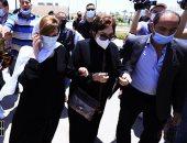 سمير صبرى ونجوى فؤاد وأشرف زكى وروجينا وبوسى شلبى فى جنازة سمير غانم