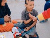 """""""يوم السعادة"""" مبادرة شبابية لتوزيع الهدايا على أطفال طنطا في الغربية.. صور"""