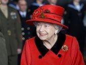 """الملكة إليزابيث ترتدى """"بروش"""" أهداه لها زوجها الراحل الأمير فيليب فى آخر ظهور لها"""