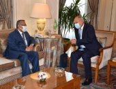 أبو الغيط يستقبل رئيس مجلس الشورى اليمنى ويؤكد دعم الجامعة لوحدة اليمن