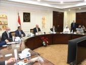 وزير الإسكان يلتقى نواب تنسيقية شباب الأحزاب لبحث عدد من القضايا الهامة.. صور