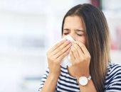 بعد تخفيف قيود كورونا عالمياً.. اعرف الفارق بين أعراض الأنفلونزا والبرد وكورونا
