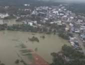 لقطات جوية لغرق الشوارع واجتياح الفيضانات مدن سريلانكا.. فيديو