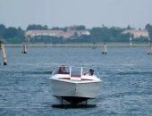 """يعني إيه قارب Candela C-7 الطائر لإنقاذ مدينة """"البندقية"""" من الأمواج؟"""
