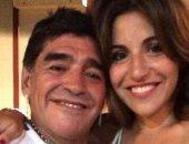 ابنة مارادونا الكبرى تعارض إقامة مزاد لبيع ممتلكات والدها