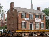 """نقل منزل تاريخى عمره 172 سنة من مكانه فى ولاية فرجينيا.. اعرف السبب """"فيديو"""""""