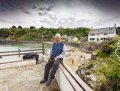 مسن بريطاني يعيش وحيدا فى قرية ساحرة جنوب ويلز.. اعرف القصة