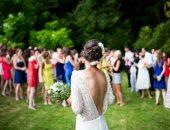"""فساتين ما ينفعش تلبسيها فى حفلات الزفاف.. """"الأبيض والكاجوال محظورين"""""""