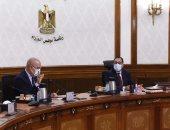 رئيس الوزراء يتابع مخططات تطوير الطرق والمحاور المرورية بمحافظة الجيزة.. صور