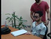 تجربة عملية.. طلاب جامعة المنصورة يخترعون نظارة للمكفوفين لقراءة النصوص.. لايف