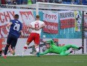 يورو 2020.. سلوفاكيا يفاجئ بولندا بهدف فى الشوط الأول.. فيديو