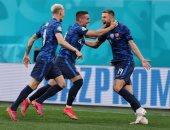 سلوفاكيا تبدأ يورو 2020 بانتصار صعب أمام بولندا