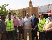محافظ الوادى الجديد يدشن مبادرة بيت يحمينى لإعادة إعمار المنازل .. صور