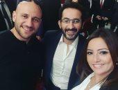 بشرى فى صورة مع أحمد حلمى ومكى: محدش قدى.. لما تتصور مع نص لذاذة الكوكب