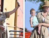 كاتي بيري تلتقط سيلفي في شوارع البندقية.. ووجه ابنتها ما زال غير معروف.. صور