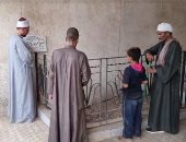 توافد محبى الشيخ المنشاوى على قبره لقراءة الفاتحة.. فى ذكرى رحيله الـ52