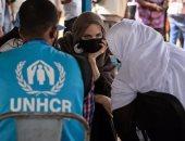أنجلينا جولى تظهر بالحجاب فى مخيم للاجئين ببوركينا فاسو