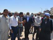محافظ البحر الأحمر يتفقد شارع الكهف ومحيط السنتر الليبى بالغردقة .. صور