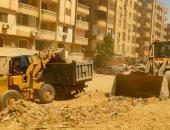 رفع 500 طن مخلفات من أراضى فضاء بهضبة الأهرام