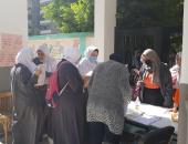 توافد طلاب الثانوية الأزهرية على اللجان فى رابع أيام الامتحانات.. صور