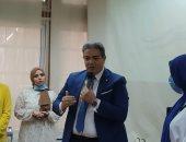 نقيب الإعلاميين يشارك بمناقشة مشروعات تخرج شعبة الإعلام كلية البنات بعين شمس