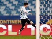 ليونيل ميسي يحتفى برقمه القياسي الجديد مع الأرجنتين.. 148 مباراة