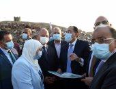 رئيس الوزراء يستعرض سبل تحسين معيشة المواطن من منطقة بطن البقرة العشوائية بعد إزالتها