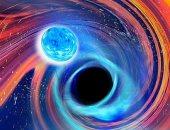 هل يمكن أن تُبتلع الأرض من قبل عشرات الثقوب السوداء الكامنة في مجراتنا؟