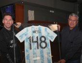 الاتحاد الأرجنتينى يكرم ميسى بمناسبة الأكثر ظهورا مع التانجو