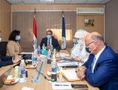 وزير السياحة والآثار يعقد اجتماعا لمناقشة سبل تعظيم سياحة اليخوت في مصر