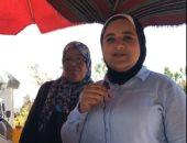 أم محمد رفضت الاستسلام للظروف بعربة فول بمساعدة بناتها فى صفط اللبن.. فيديو