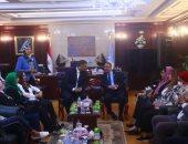 """محافظ الإسكندرية يستعرض مشروعات الحفاظ على التراث مع وفد """"ثقافة النواب"""""""