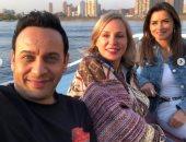 مصطفى قمر بصحبة نور وشيرين رضا ويعلق: صديقاتى وإخواتى الراقيين جدا