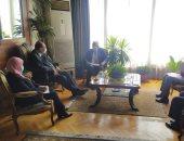 وزير الرى يبحث مع رئيس المجلس العربى للمياه مشاركته فى منتدى المياه بالإمارات