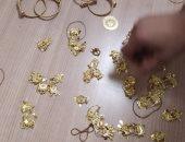 ضبط راكب حاول تهريب كمية من المشغولات الذهبية حول جسده