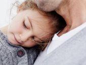 """اعرفى إزاى تتعاملى مع ابنك """"الحساس"""".. تعبيره عن مشاعره أول خطوة"""