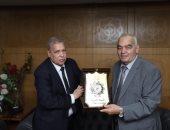 رئيس النيابة الإدرية يهنئ رئيس قضايا الدولة بمناسبة توليه منصبه الجديد