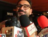 """أكرم حسنى عن فيلم العارف: """"اتفاجئت بدور أحمد فهمى فى الأكشن"""".. فيديو"""