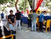 طلاب الشعبة العلمية بالثانوية العامة يؤدون بعد قليل امتحان الفيزياء