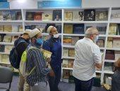 إقبال على مطبوعات مكتبة الإسكندرية بمعرض القاهرة للكتاب..اعرف الأكثر مبيعًا