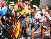 سباق فرنسا للدراجات 2021.. المشجعون في المسار يتابعون عن كثب.. ألبوم صور