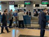 وزير الطيران يتابع سير العمل بمطار القاهرة استعداداً لعيد الأضحى.. صور